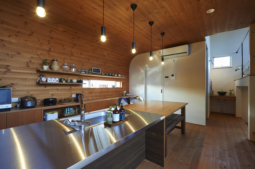 おうちカフェを楽しむ家の画像