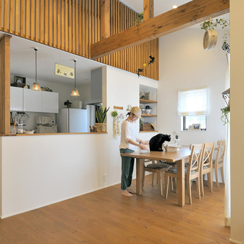 和モダンと南フランス風のインテリアを生かした二世帯住宅の画像