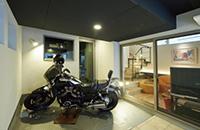 愛車と暮らす<br />ガレージのある家の画像