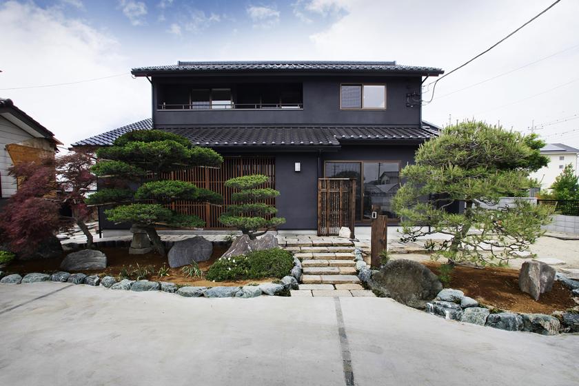 間繋ぎ格子の家の画像